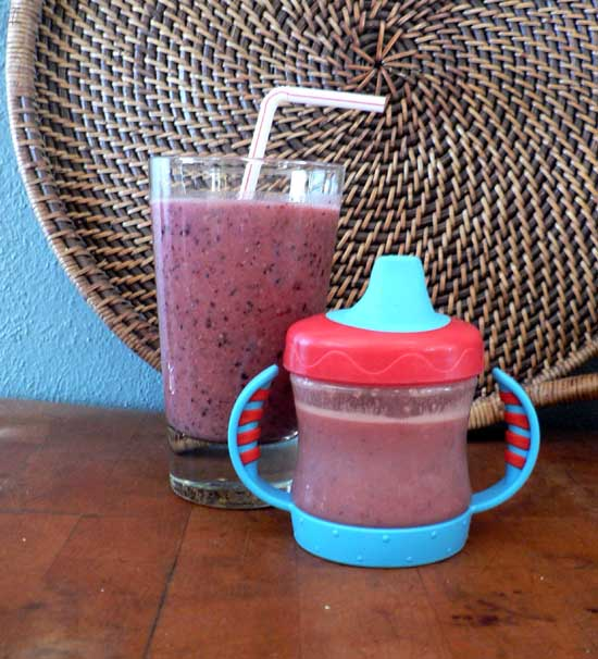how to make a smoothie with frozen fruit and yogurt